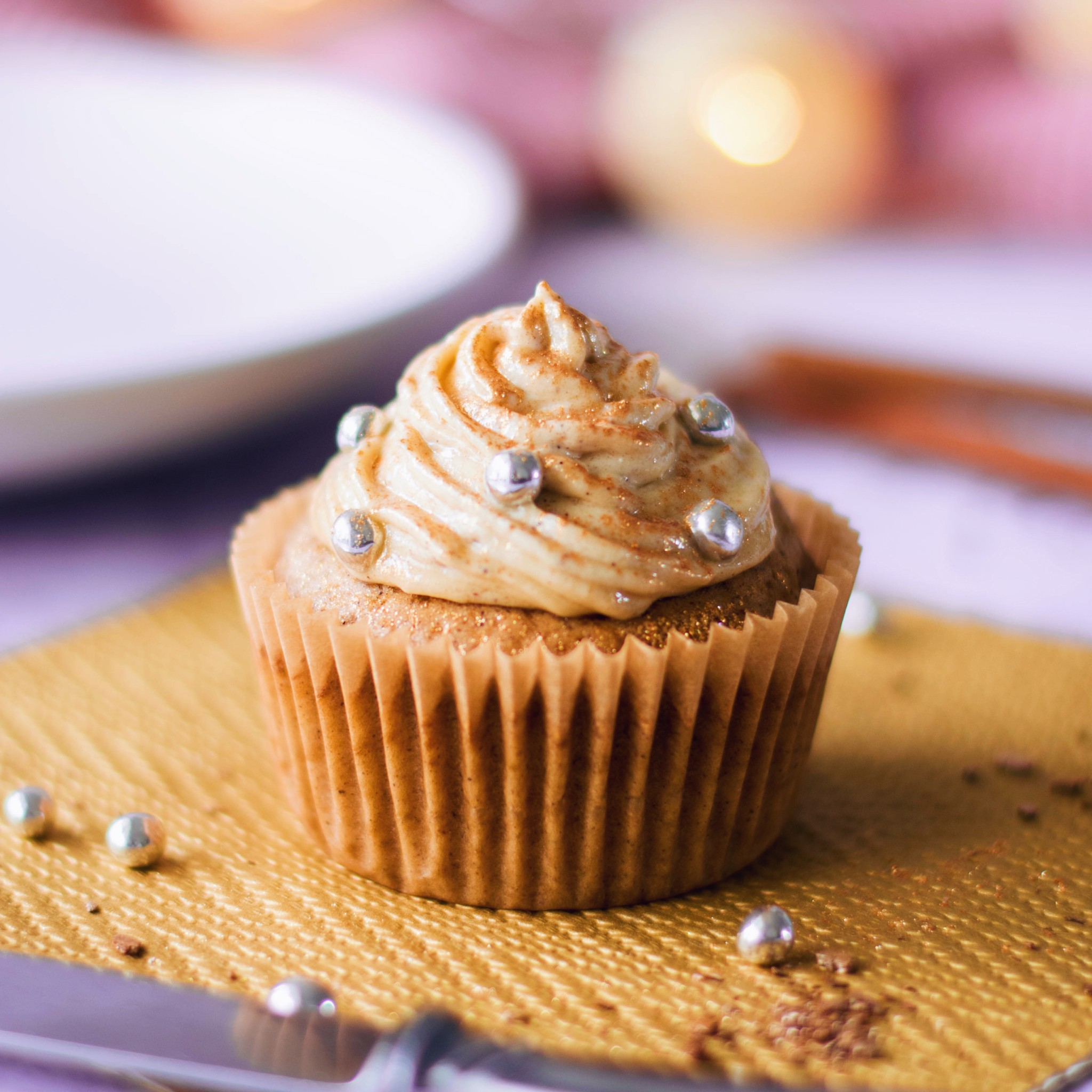 Nougat Cinnamon Cupcakes